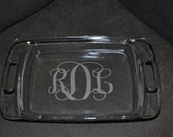 Personalized Etched Pyrex 9 x 13 Casserole Dish with Lid
