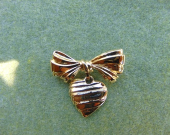 Vintage Gold Tone Avon Heart and Bow brooch