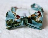 Bow tie - Hawaiian Fabric - Baby blue, green & brown - Tropical print - 100%Cotton