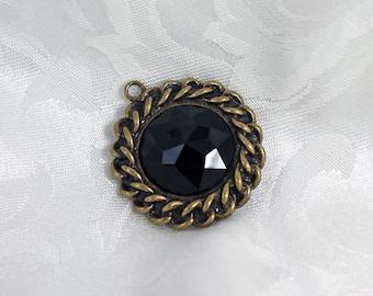 Antique Gold and Black Gem Urban Chain Pendant Destash Pendant