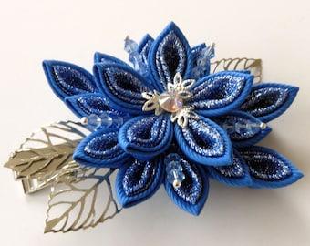 Kanzashi fabric flower hair clip. Blue kanzashi. Blue flower hair clip. Japanese hair piece. Oriental hair clip.