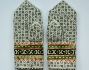 Handmade traditional Latvian double mittens with Latvian pattern