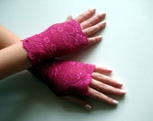Fuchsia lace gloves/ Hot Pink Fingerless Gloves/ Lace Wedding gloves/ lace fingerless gloves, fingerless lace gloves