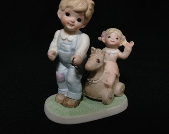 """Vintage 1980 """"Tending the Young Ones"""" Figurine by Homco (Older Brother)  (LDT1)"""