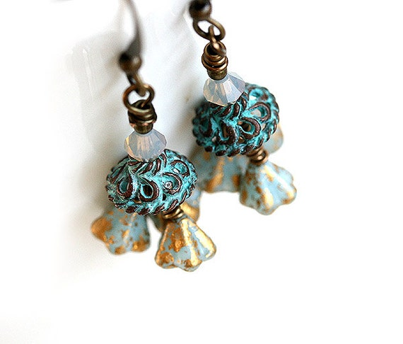 Blue flower earrings tiny flowers vintage style by beachspot for Gemsprouts tiny plant jewelry