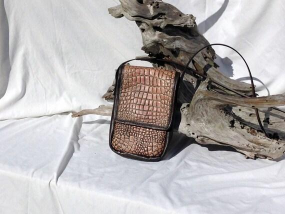 Small Alligator Embossed Leather Purse