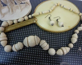 BAKELITE ERA SET Art Deco Gallalith Early Plastic  bead necklace and earrings