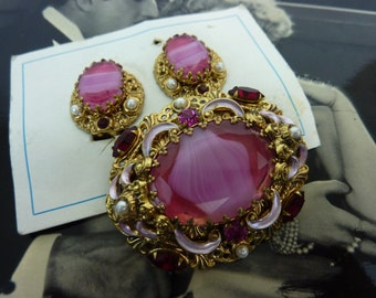 VINTAGE WEST GERMANY pink art glass oval pin and clip on earring set