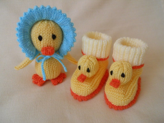 Hand Knitted baby booties baby shoes baby by littledazzler on Etsy