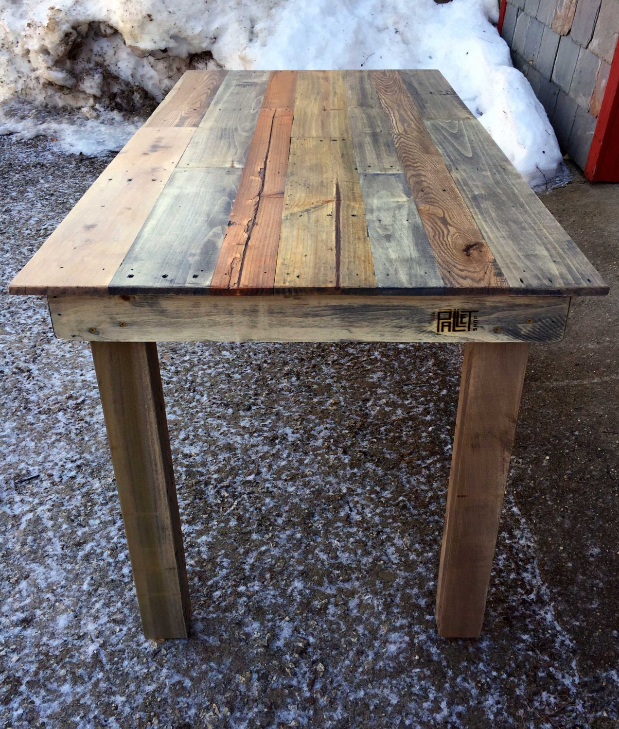 Reclaimed Pallet Kitchen Table