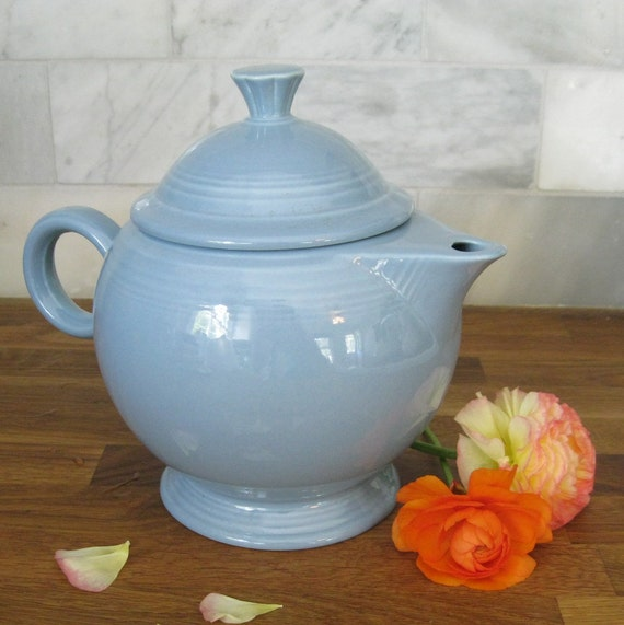 Vintage Fiesta Ware Periwinkle Blue Teapot Homer Laughlin