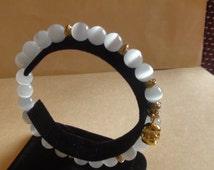 Cat's Eye white stretchy Buddha bracelet.Womens jewelry.Opal bead bracelet.
