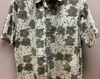 Malihini Hawaii Men's Shirt, Made in Hawaii. Olive Green with Light Green Hibiscus Floral Print. 100% Cotton.