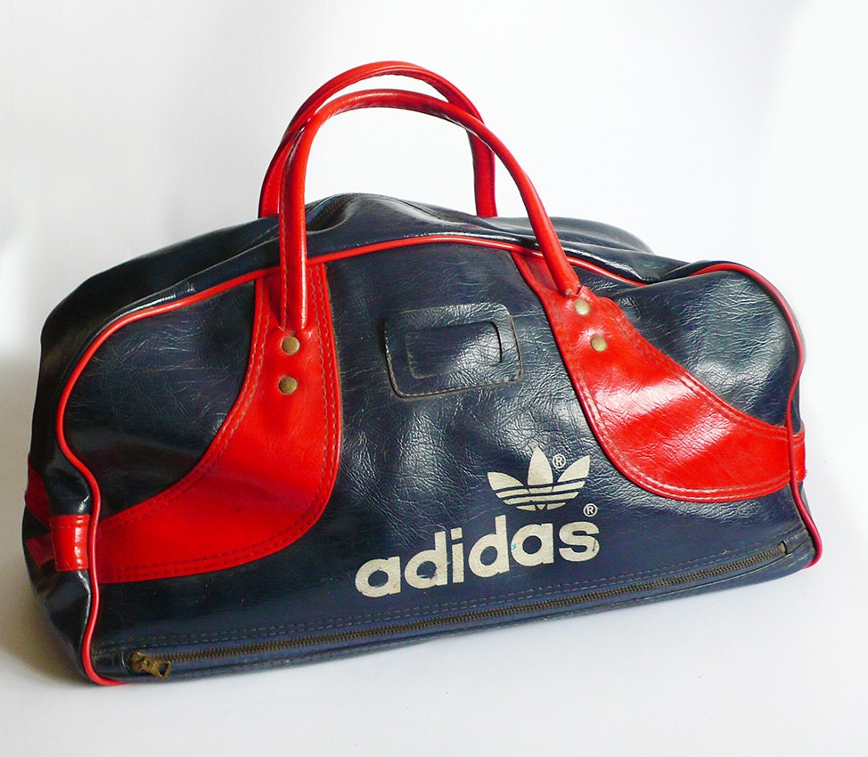 vintage retro 70s blue red vinyl adidas gym bag sport handle. Black Bedroom Furniture Sets. Home Design Ideas