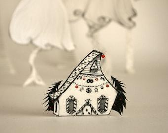 Brooch Pin illustrated plastic gingerbread house original design - black white