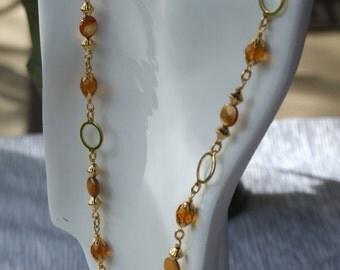 Golden crystal and Mother of pearl necklace 0333nk