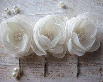 Wedding ivory hair flower Wedding hair flower Ivory hair flower Bridal hair flower 2 inch hair flower Ivory flower Hair flower Ivory peony