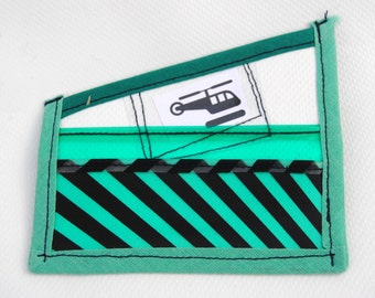 CARD WALLET UPCYCLED with five pokets green&white - tarjetero con cinco bolsillos