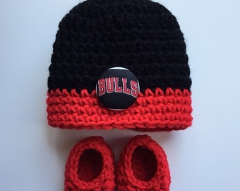 Chicago Bulls hat and booties for baby