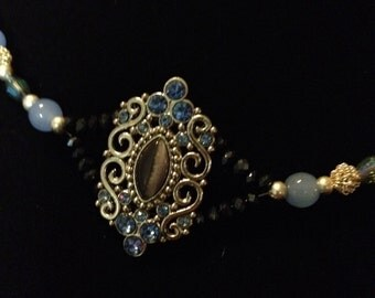Off-Center Pendant Necklace