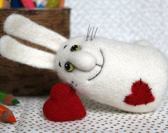 HARE with HEART Mini Brooch. Needle felted RABBIT Toy. Felt Collectable Doll. Home decor.