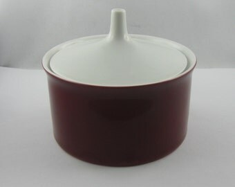 ROSENTHAL Germany. Sugar bowl made of porcelain. Form 2000. Decor Secunda purple. Design Hans Theo Baumann. Height about 8 cm. VINTAGE