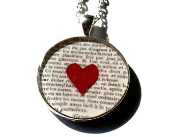 Red heart necklace, heart necklace, red, white, heart jewelry, newspaper necklace, love jewelry, lovers, gift for her, valentin's day