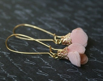 shabby chic pink flower earrings,gold flower earrings shabby earrings