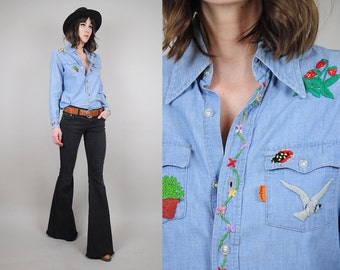 ON SALE 70s Levi's Hand Embroidered Denim shirt