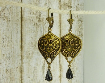 "earrings "" Aladdin "" old gold oriental"