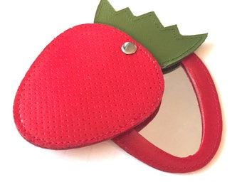 Vintage Swivel Strawberry Mirror, Red and Green Strawberry Plastic Mirror, Purse Compact Mirror, Fruit Pocket Mirror, Red Berry, Mirror