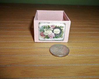 Dollhouse Miniature 1:12 Scale Shabby Chic Pink Crate