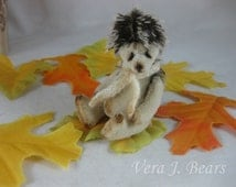 "Miniature Artist Hedgehog for Bear or Doll Handmade 3"" by Vera J.Bears"