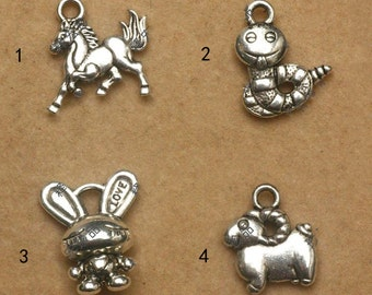 20 pcs of antique silver snake or dog animal Charm Pendants animal pendant