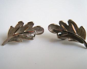 Vintage BSK Earrings/ Silver Leaves clipons/ 60's earrings/ costume earrings/ Leaf earrings/ only for me jewelry/ Silver clip ons
