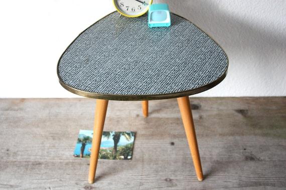 Blumenhocker bastdekor beistelltisch hocker kleiner for Kleines weisses tischchen