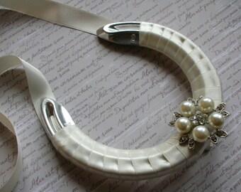 Lucky Horseshoe - Light Cream Wedding Horseshoe