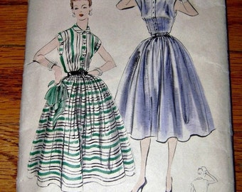 Vintage VOGUE 50s Dresses Sewing Pattern 1950s Rockabilly Swing Fashion Prom Pinup Dress Fifties Frock Cocktail Garden Party Dress DIY Sew