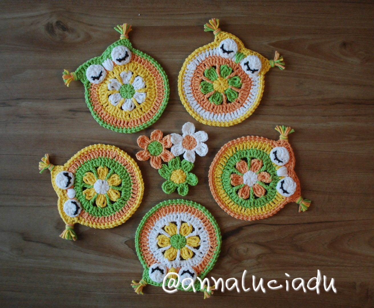crochet daisy crochet owls owl coaster owl applique. Black Bedroom Furniture Sets. Home Design Ideas