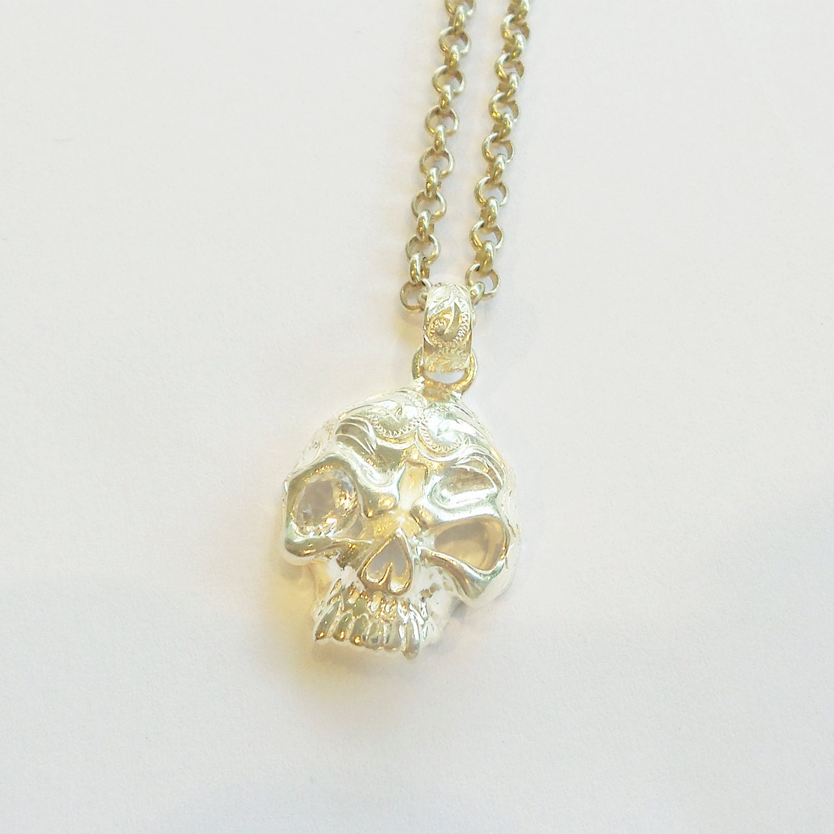 hawaiian jewelry silver hawaiian skull pendant by maxihawaii