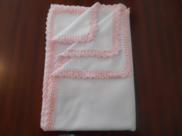 white fleece blanket with light pink crochet trim very soft. Black Bedroom Furniture Sets. Home Design Ideas