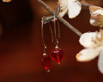Sterling silver marquise dangle heart earring