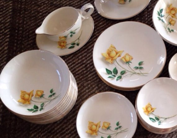 Canonsburg Temptations Yellow Rose Dish Set By