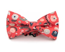 Mens coral bow tie with flowers - Red orange flowers bow tie - Coral tie - Flowers bowtie - Pretied mens bow tie
