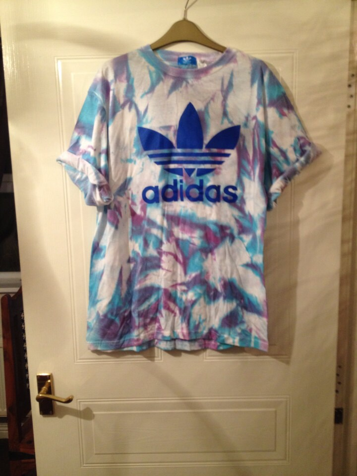 Unisex customised acid wash tie dye adidas t shirt sz medium for How to wash tie dye shirt after dying
