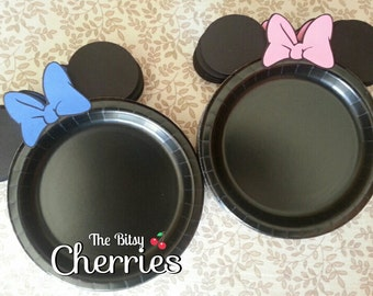 Minnie Mouse plates (Minnie plates) (Available in dinner and dessert size)