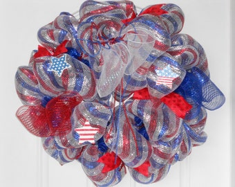 Patriotic Wreath, July 4th Wreath, July 4th Decoration, Red/White/Blue Wreath, Party Decoration, Door Hanger, Gift