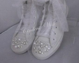 Leather Tall Pretty Pearl Trim Converse / Bridal Pearl converse / Wedding converse/ Bride converse /Customised converse  /Unique sneakers