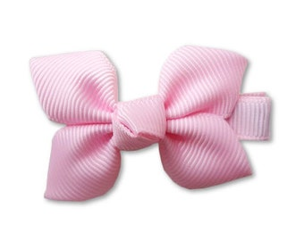 baby pink bow,  pink flower bow, bow flower, newborn accessories, cute hair clips, hair bow