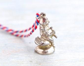 Antieke Tiny Pixie - miniatuur schoenmaker Fairy - sieraden Assemblage of Altered kunsten Component